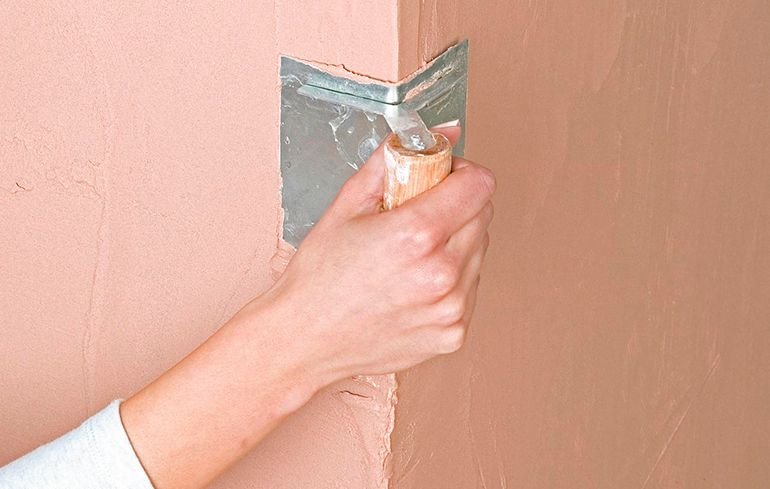 Как выровнять стену перфорированным уголком своими руками